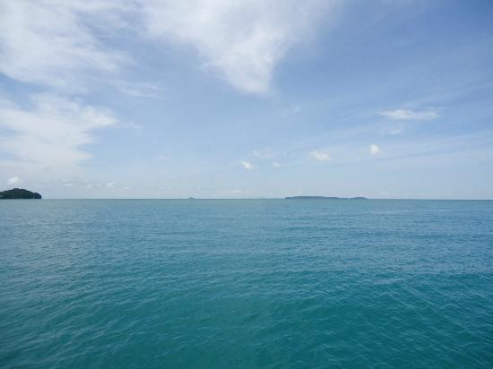 SweetDreamers Charters - Private Day Trips: The sea from Chayong Bay