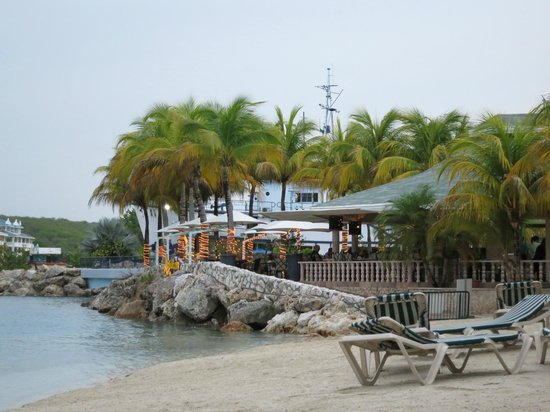 Augusto's Restaurant: Augusto's from the beach