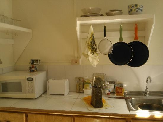Miller's Guest House : kitchen items