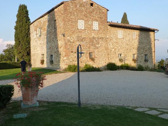 Villa Arnilu : the farmhouse
