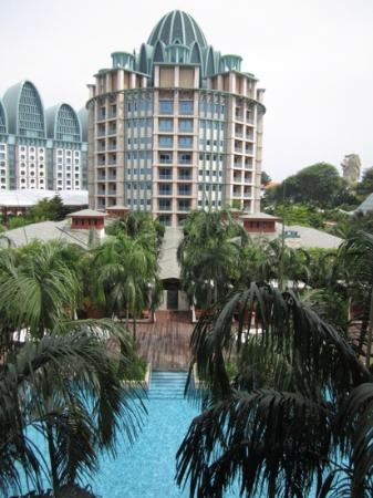 Resorts World Sentosa - Festive Hotel: the view from the room that are facing the pool.