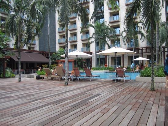 Resorts World Sentosa - Festive Hotel: Swimming Pool at Festive Hotel