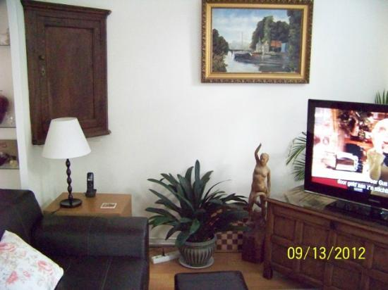 Bed and Breakfast Gallery : Another living room picture