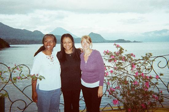 Kaalpul Atitlan Eco Hotel & Spa: Anam, Lira and me - TOSA staff