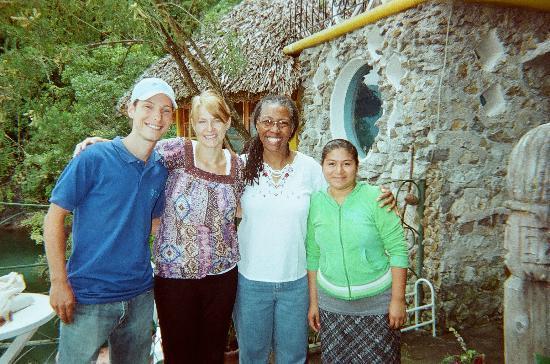 Kaalpul Atitlan Eco Hotel & Spa: Lucien, Lira, Anam, Amalia - TOSA staff