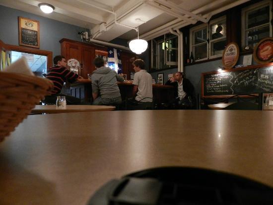 HiQuebec, Auberge Internationale de Quebec: The Bar