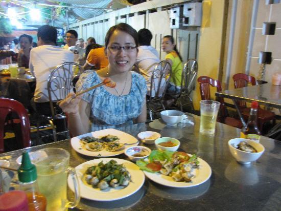 Huong Bien Hotel: Dinh Cau night market 