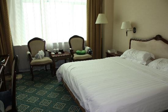 Barony Tarim Petroleum Hotel: Bedroom