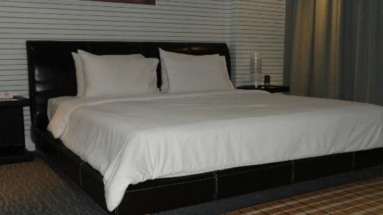 The Yorkshire Inn Hotel, Bar & Restaurant: The Bed