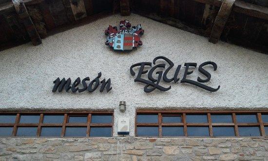 Meson Egues: facade
