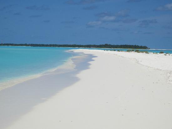Sun Island Resort: White sand