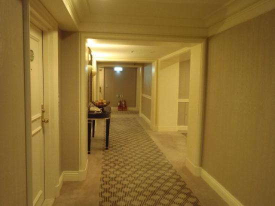 The Sherwood Taipei : hallway