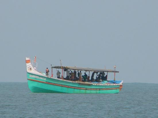 Casamaria Beach Resort: Fisherman's Boat