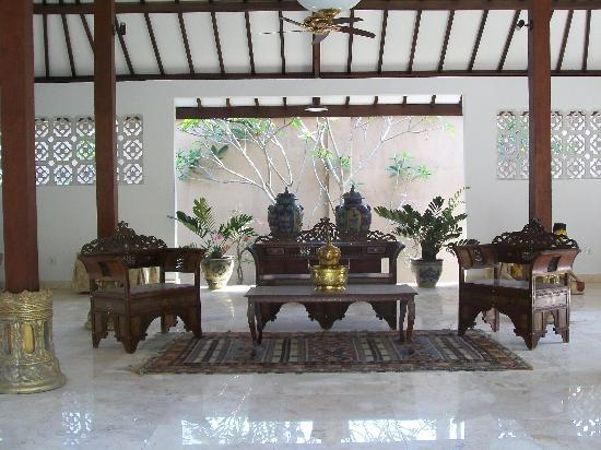 Puri Mas Boutique Resort & Spa: secluded sitting area