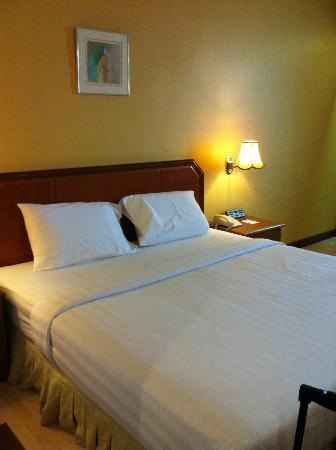 Hotel Sandakan: Our room - deluxe suite