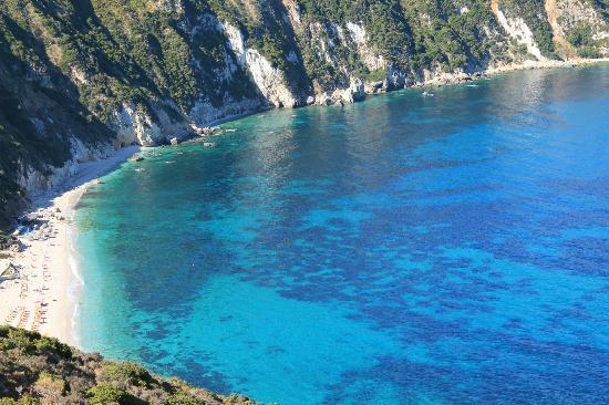 Avithos Resort: petani beach