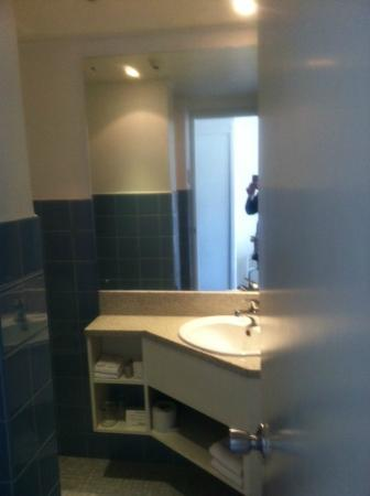 ذا باي بلازا هوتل: bathroom 