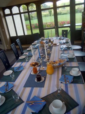 Pre du Vau Garni : the breakfast room
