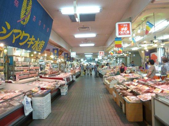 ฮะชิโนะเฮะ, ญี่ปุ่น: 八食センター 市場