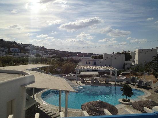 Argo Hotel Mykonos: Vue depuis le balcon de la chambre