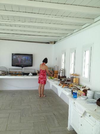 Argo Hotel Mykonos: espace petit-déjeuner