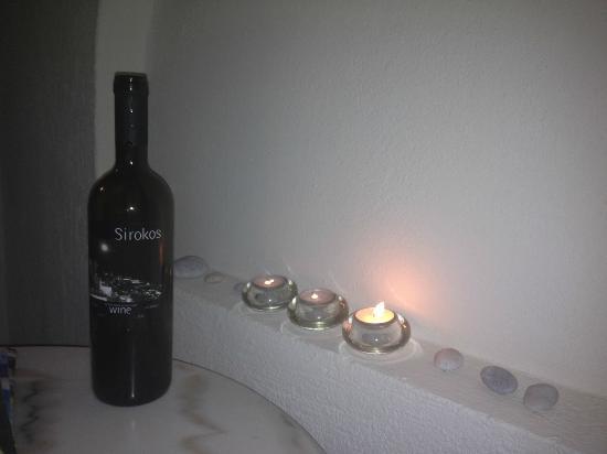 Atlantis Beach Villa: Vin från Santorini
