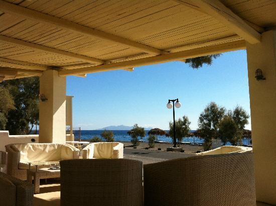 Atlantis Beach Villa: baren