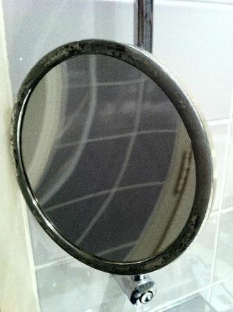 Hotel Le Manoir de la Poterie & Spa: miroir