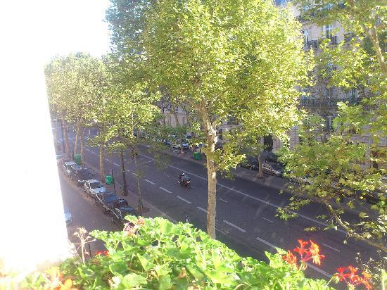 Hotel Elysees Regencia Paris: View from room
