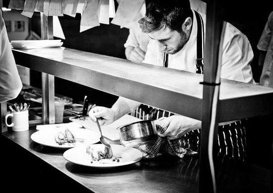 Craven Heifer Inn: Celebrity Chef - Tom Rennolds