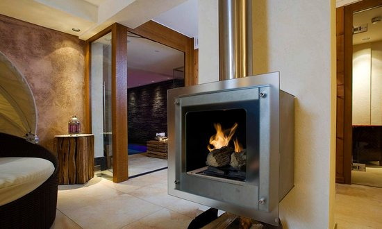 "Hotel Haldenhof : Offener Kamin im Spa ""s´Hofbädle"""