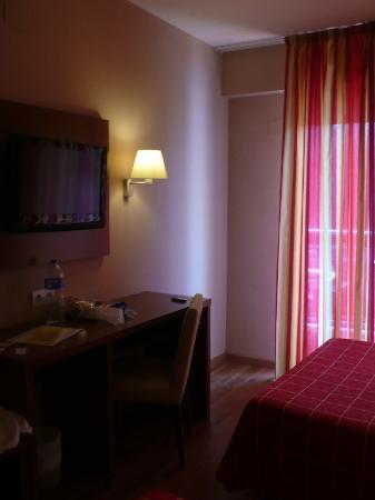 Hotel Oasis Park: Номер отеля