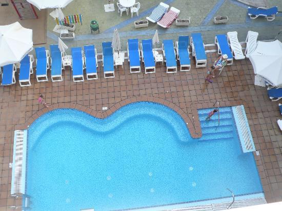 Hotel Oasis Park: Один из 2 бассейнов
