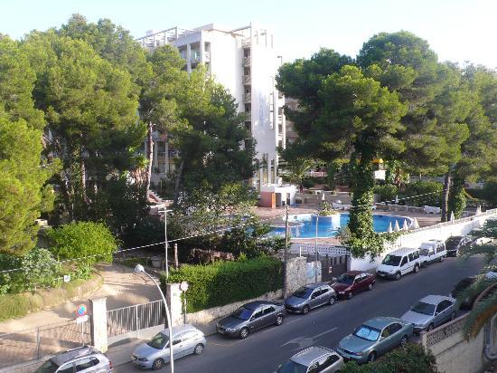 Hotel Oasis Park: Вид из номер