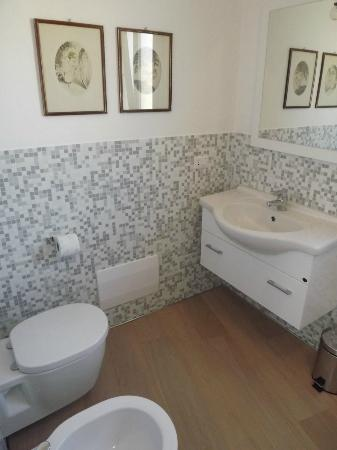 B&B La Fonda: bathroom