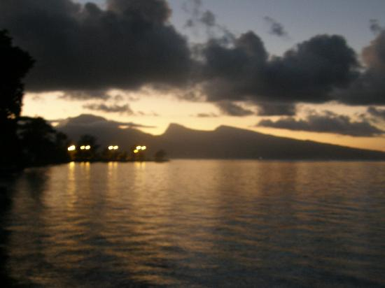 Pueu Village: coucher de soleil