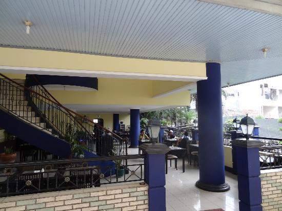 Rama Garden Hotel : Dining area, but no bar.