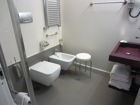 Navona Palace Luxury Inn: Bathroom