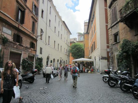 Navona Palace Residenze di Charme: The hotel's street