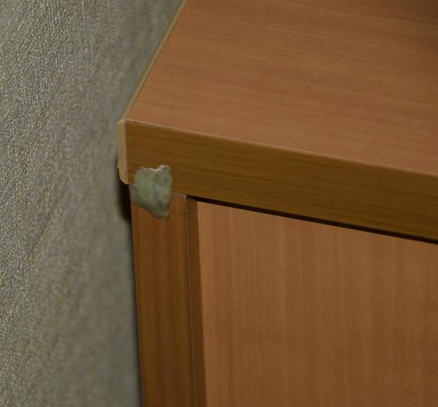 Astor Hotel Athens: Gum stuck on the back of furniture.