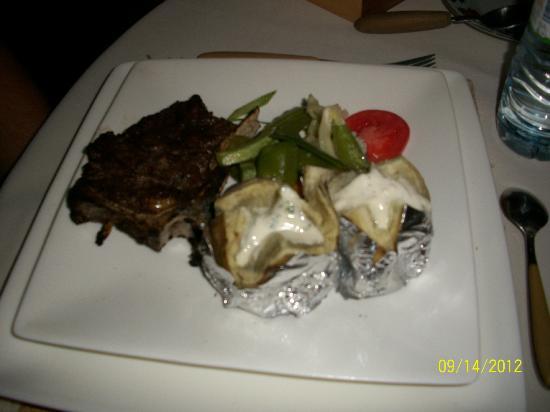 Couleur Cafe: zebu steak dinner