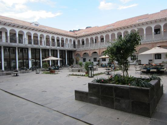 JW Marriott Hotel Lima: Lovely Courtyard - Great Place to Have a Drink