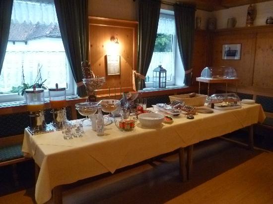 Landgasthof Euringer Reichler : breakfast buffet