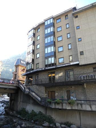 Hotel Metropolis : hotel desde fuera