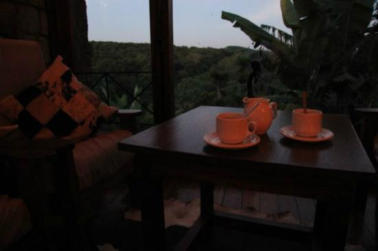 Endoro Lodge: an evening tea & coffee