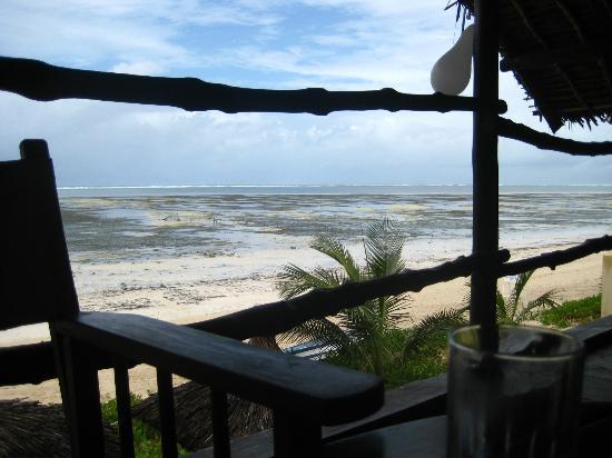 Maridadi Restaurant and Bar: Vistas desde la terraza donde se puede almorzar o tomar algo