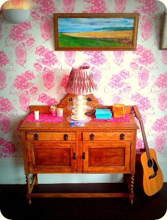 Jessie's Kitchen: New Room Dresser