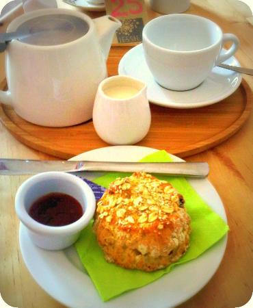 Jessie's Kitchen: Muesli Scones and Suki Tea