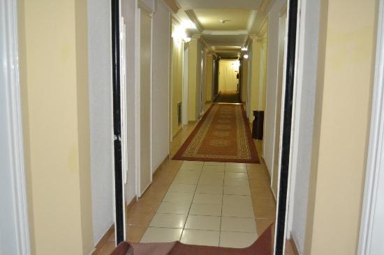 El Mouradi El Menzah: pasillos