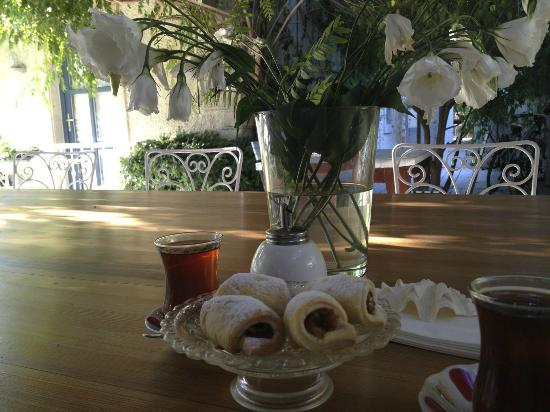 Sailors Hotel Bahce: Servings during the day